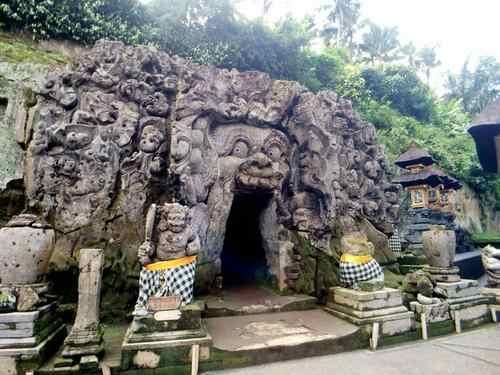 石窟 寺院